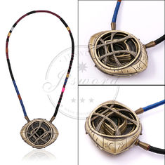 China Marvel Props Doctor Strange Necklace Eye Of Agamotto Amulet Fluorescent Glow supplier